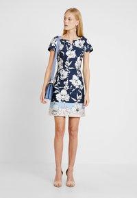 Betty & Co - Day dress - blue/rose - 2