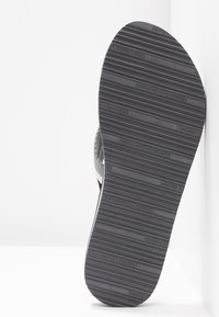 Tommy Hilfiger - LOVES BEACH - Flip Flops - black - 6