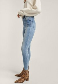 Stradivarius - Jeans Skinny Fit - light-blue denim - 2