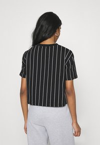 Karl Kani - SIGNATURE PINSTRIPE TEE - Print T-shirt - black - 2