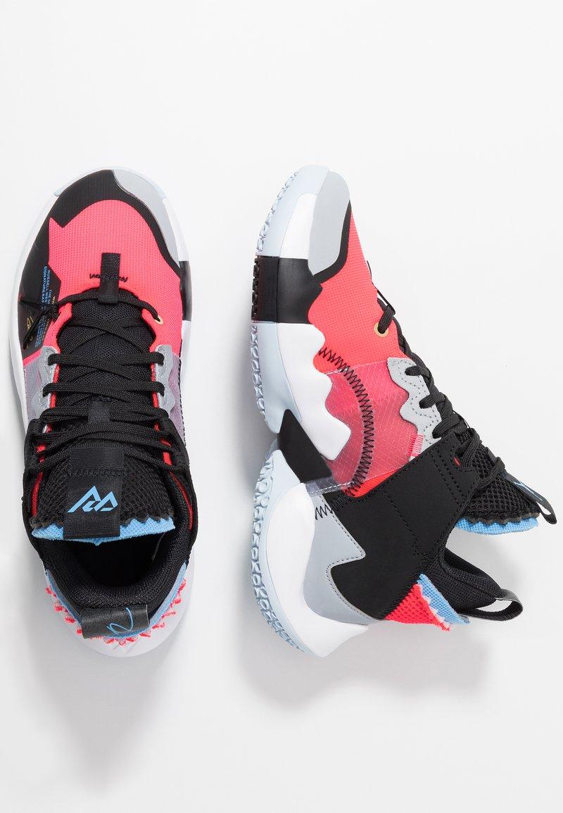 Jordan - WHY NOT 2 SE - Obuwie do koszykówki - red orbit/black/white