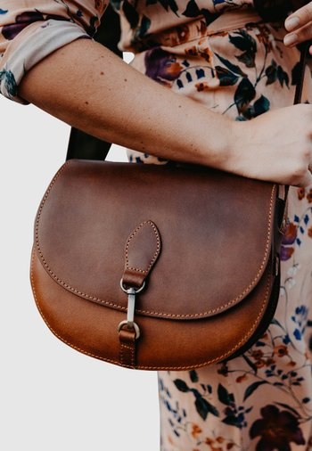 WIEBKE - Across body bag - brown