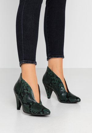 ADMIRE UPDATE - Ankle boots - green