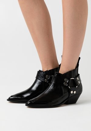 AIN'T THE SAME - Ankle boots - black