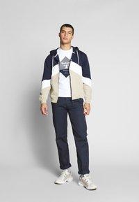 Barbour Beacon - DIAMOND TEE - T-shirt med print - white - 1