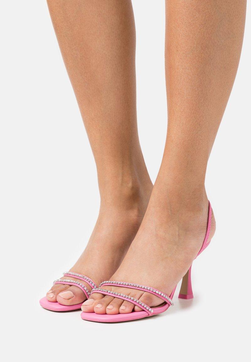 Call it Spring - RHERILLAN - Sandals - pink