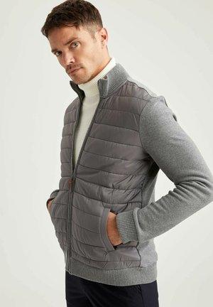 REGULAR KNITTED  - Cardigan - grey