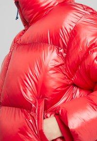 Pepe Jeans - CLAIRE - Zimní bunda - lipstick red - 5