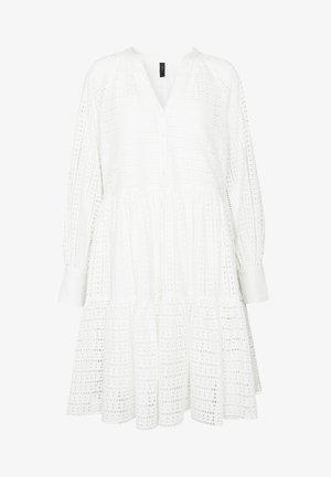 YASSIA DRESS  - Denní šaty - star white