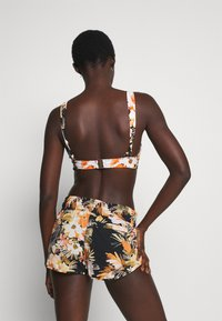 Seafolly - BORA BORA FLORA V NECK CROP - Bikini top - black - 2
