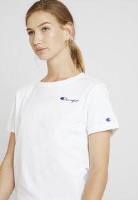 Champion Reverse Weave - SMAL SCRIPT CREWNECK  - Print T-shirt - white - 4