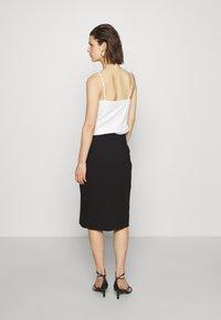 IVY & OAK - PENCIL SKIRT - Pouzdrová sukně - black - 2