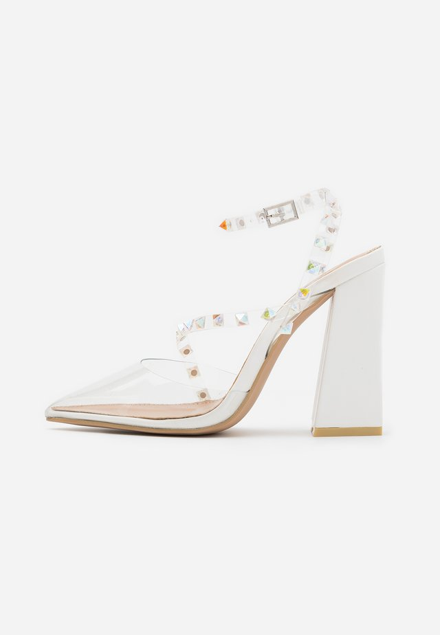 RUHANA - Højhælede pumps - clear/white