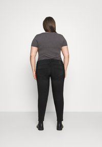 Pieces Curve - PCNEW - Jeans Skinny Fit - black denim - 2