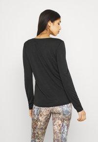 Pieces - PCKAMALA - Long sleeved top - black - 2