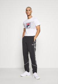 Fila - SAUTS TEE - Print T-shirt - bright white - 1