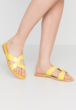 Mules - lime