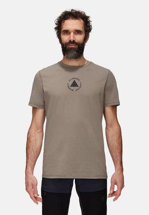 MASSONE MEN - T-shirt z nadrukiem - tin prt