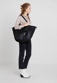 The North Face - STRATOLINE TOTE - Sports bag - black - 6