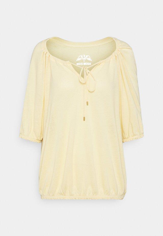 AVIE TEE - Jednoduché triko - charmomile