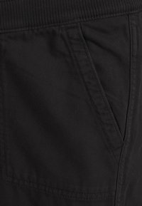 GAP Maternity - UTILITY - Tracksuit bottoms - true black - 2