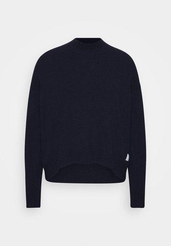 Strikpullover /Striktrøjer - scandinavian blue