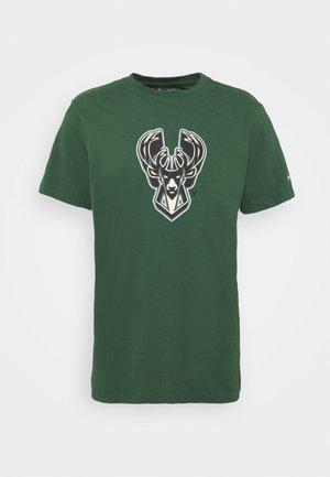 NBA MILWAUKEE BUCKS ESSENTIAL LOGO TEE - Klubtrøjer - green