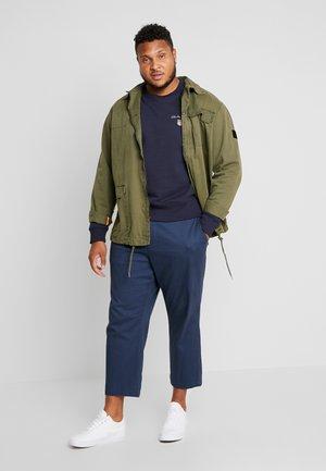MEDIUM SHIELD CREW - Sweatshirt - evening blue