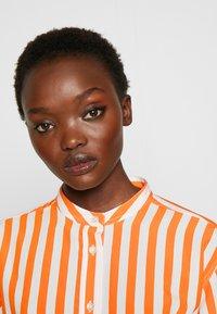 CLOSED - ROWAN - Button-down blouse - mango - 3