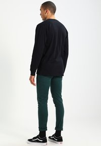 Vans - CLASSIC FIT - Long sleeved top - black/white - 2