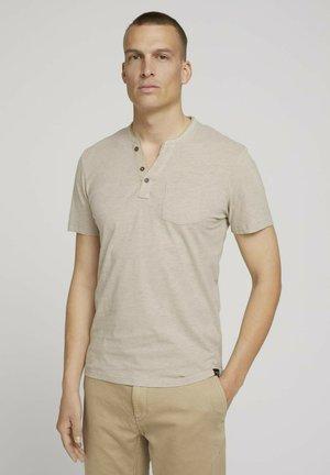 MIT BRUSTTASCHE - T-Shirt basic - cosy soft beige melange