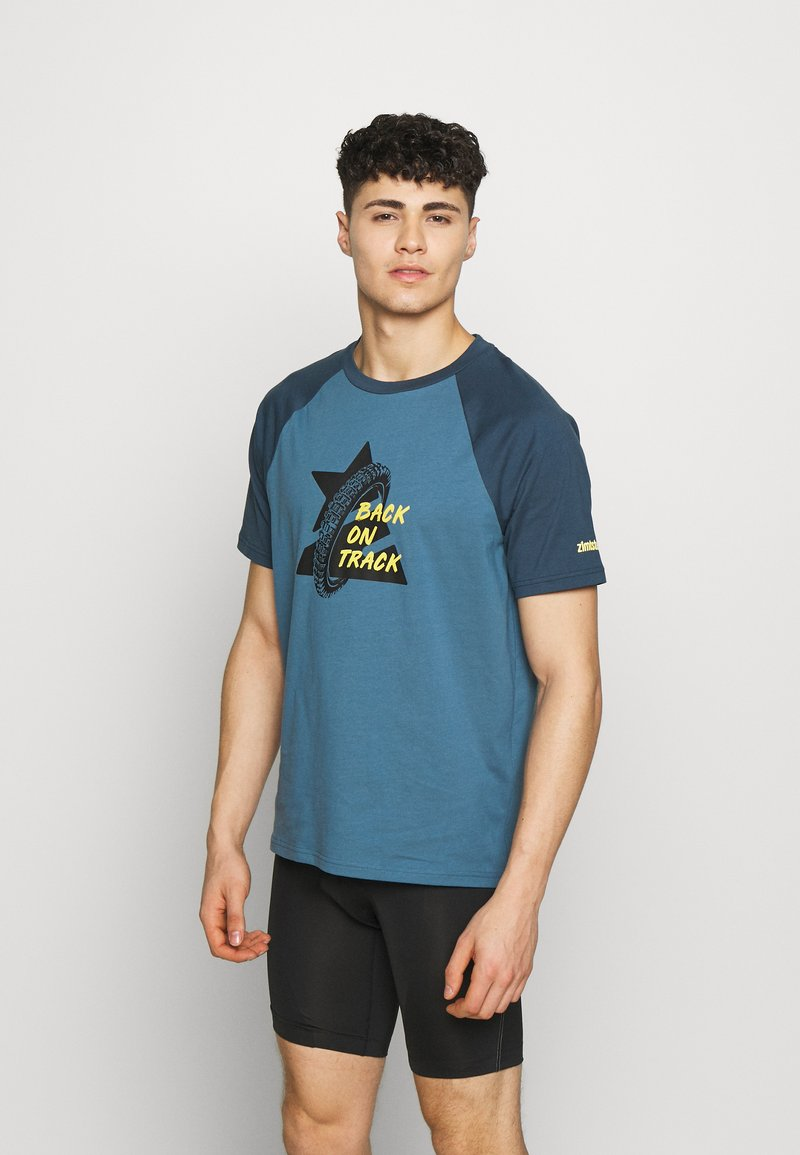 Zimtstern - BOTZ TEE MEN - T-shirt z nadrukiem - blue steel/french navy/mimosa