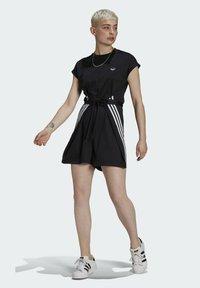 adidas Originals - SHORT JUMPSUIT - Mono - black - 0
