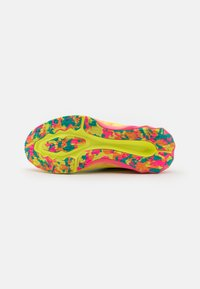 ASICS - NOVABLAST NOOSA - Zapatillas de running neutras - hot pink/sour yuzu - 4