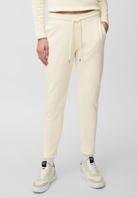 Marc O'Polo - Tracksuit bottoms - raw cream - 0