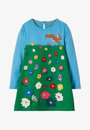 MIT GROSSER APPLIKATION - Day dress - grasgrün  blumenszene