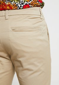 New Look - PLAIN TROUSER - Chinos - stone - 4