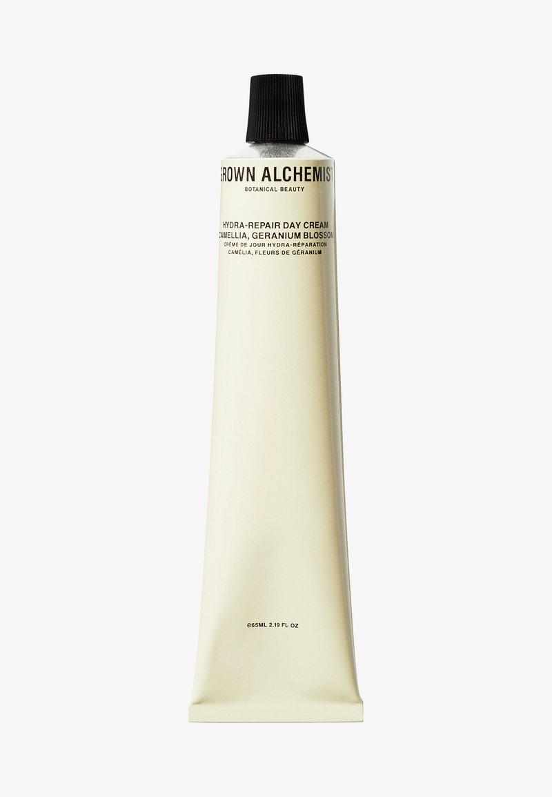 Grown Alchemist - HYDRA-REPAIR DAY CREAM CAMELLIA & GERANIUM BLOSSOM - Face cream - -