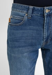 Emporio Armani - Jean droit - denim blue - 3