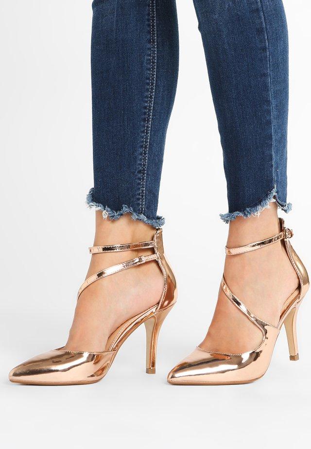 High heels - champagne