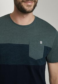TOM TAILOR - T-Shirt print - stroke green - 3