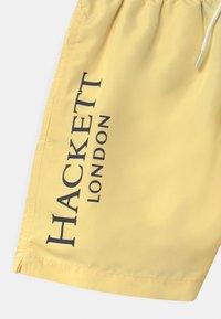 Hackett London - LOGO VOLLEY - Plavky - lemon - 2