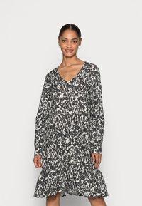 Marc O'Polo - DRESS A-SHAPE GATHERINGS V-NECK LONG SLEEVE - Day dress - black - 0