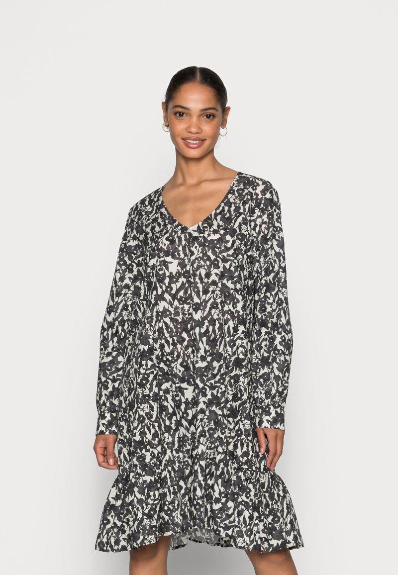 Marc O'Polo - DRESS A-SHAPE GATHERINGS V-NECK LONG SLEEVE - Day dress - black
