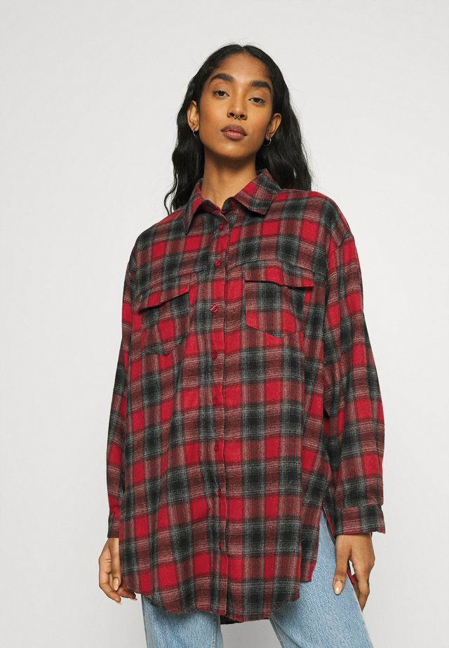 BRUSHED OVERSIZED BASIC CHECK  - Button-down blouse - red