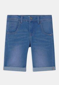 Name it - NKMTHEO  - Denim shorts - medium blue denim - 0