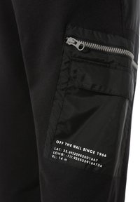 Vans - MN 66 SUPPLY FLEECE PANT - Tracksuit bottoms - black - 3
