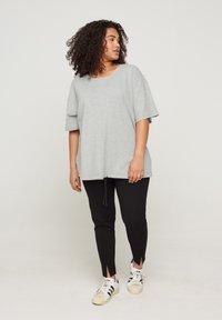 Zizzi - Print T-shirt - light grey melange - 1