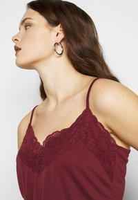 Vero Moda Curve - VMBIA SINGLET - Top - cabernet - 4