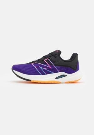 FC REBEL - Neutrální běžecké boty - deep violet